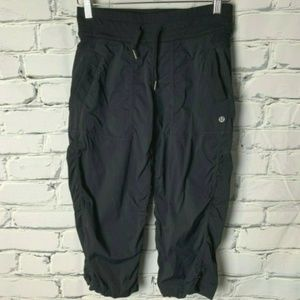 Lululemon Capri Crop Pants Size 6 Black